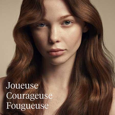 Aveda, salon de coiffure, femme au cheveux longs