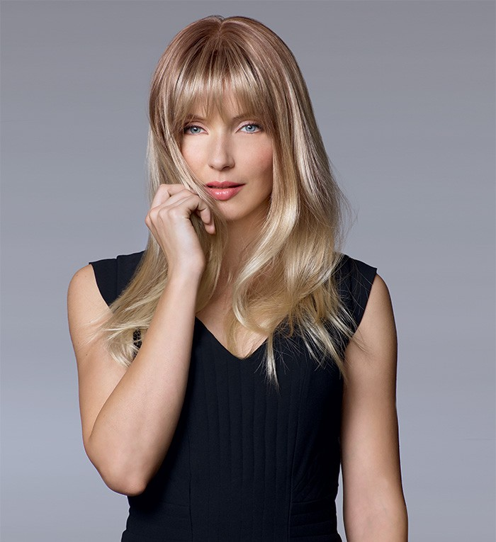 Chevelure de remplacement, femme avec perruque aux cheveux longs blonds
